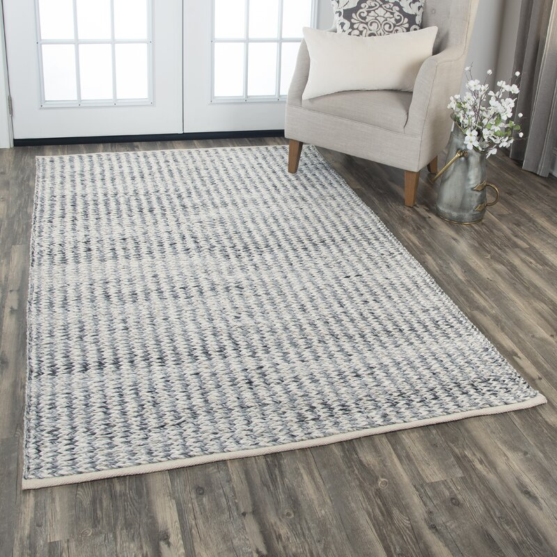 Ewe Complete Me Hand-Knotted Wool Gray Area Rug