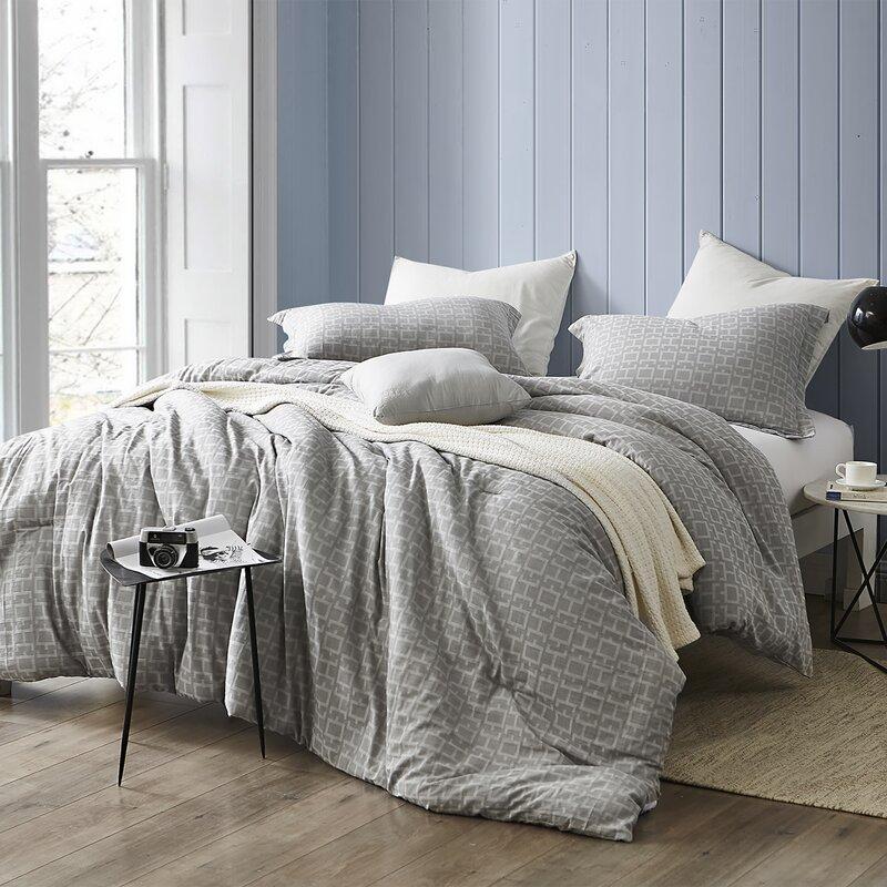 Houtz Comforter Set