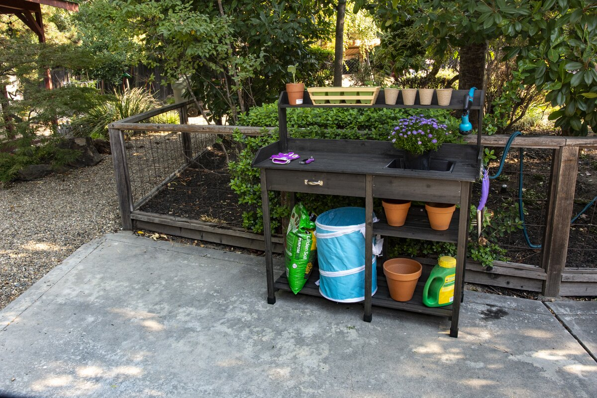 Bloom Fir Potting Bench