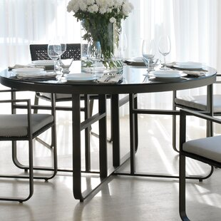 Review Adella Dining Table