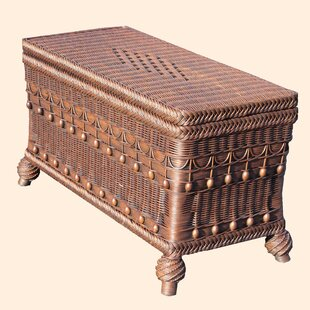 Yesteryear Wicker Classic Blanket Chest