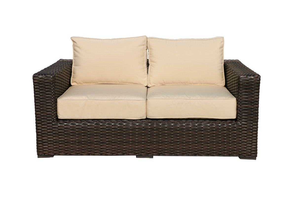 Santa Monica Loveseat With Cushions