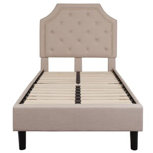 Quinlynn Tufted Upholstered Platform Bed