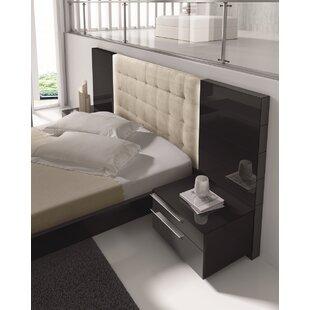 Wade Logan Callimont Upholstered Platform Bed