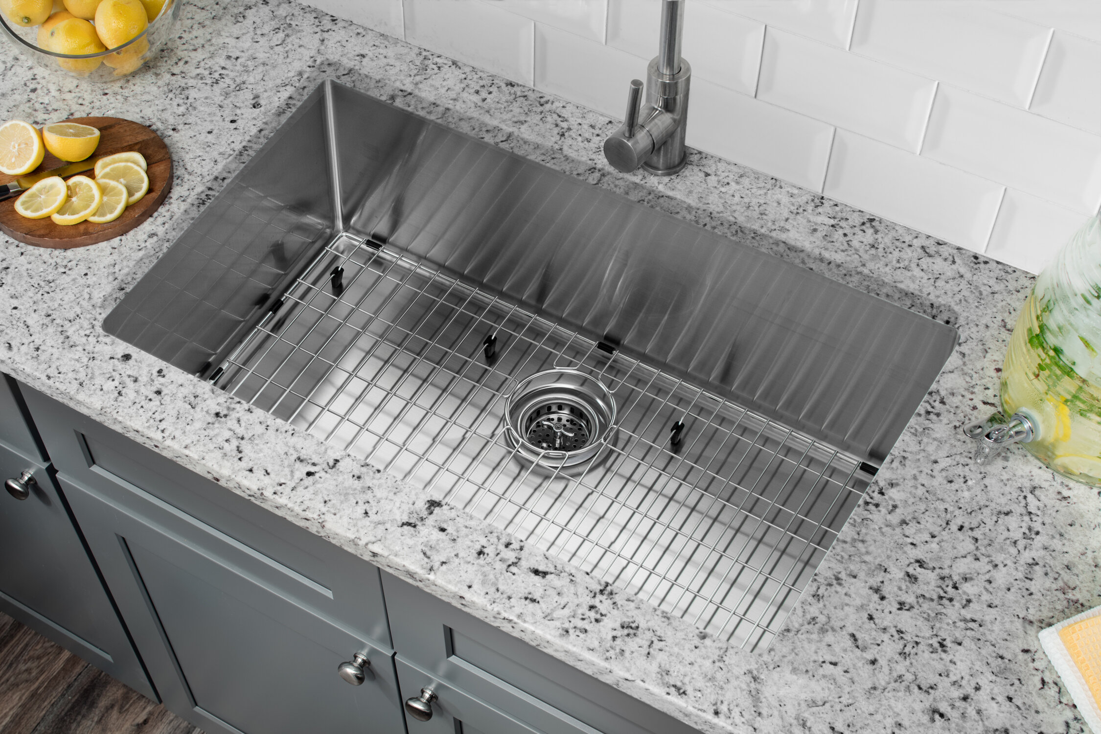 Radius 16 Gauge Stainless Steel 32\'\' x 19\'\' Single Bowl Undermount Kitchen  Sink