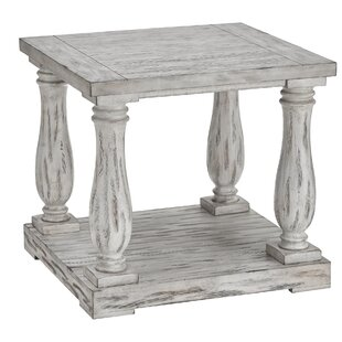 Lark Manor Airelle End Table
