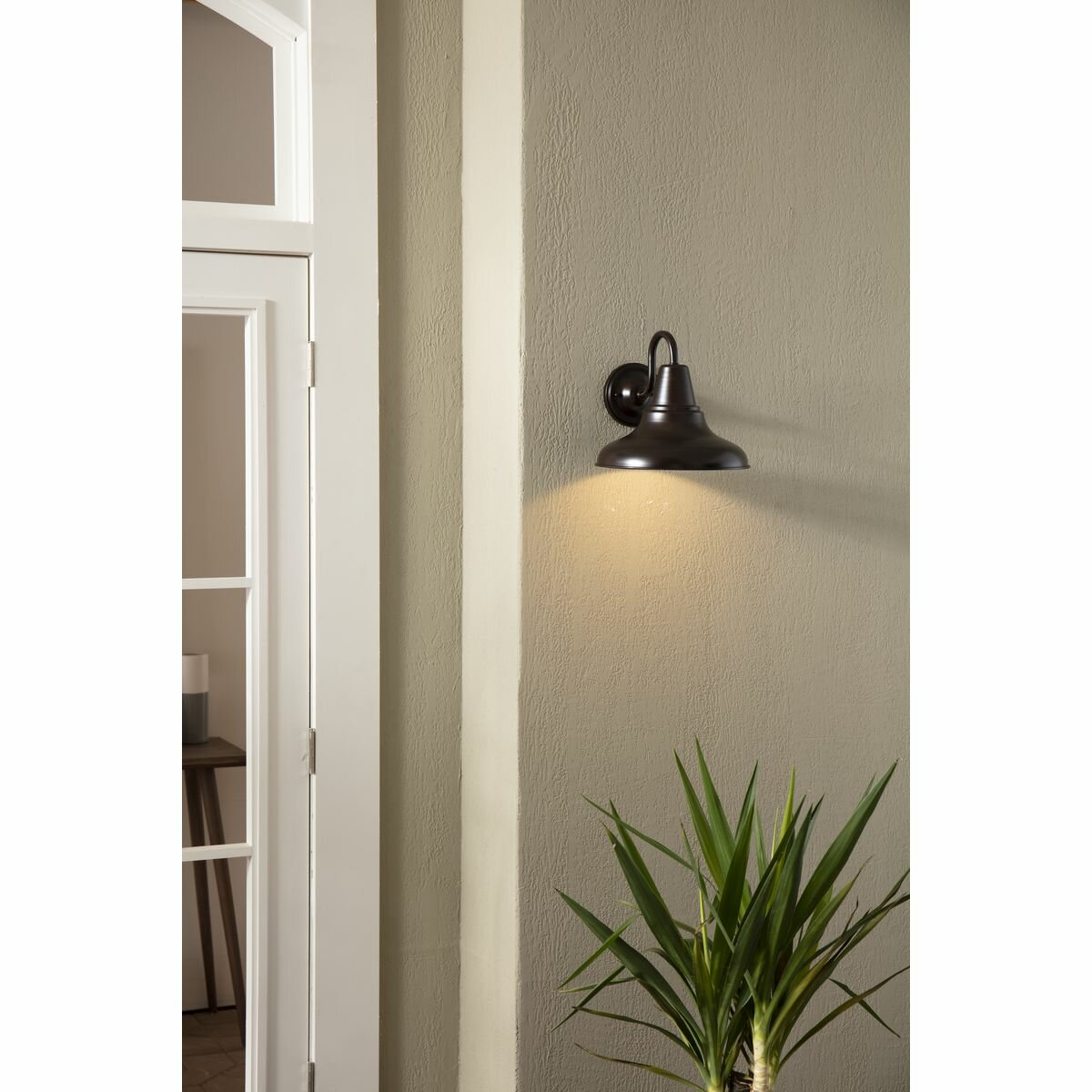 Hailey Outdoor Barn Light Reviews