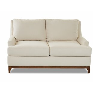 Daan Loveseat