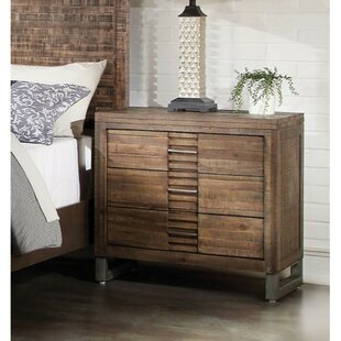 Kentwood 3 Drawer Bachelor's Chest by World Menagerie