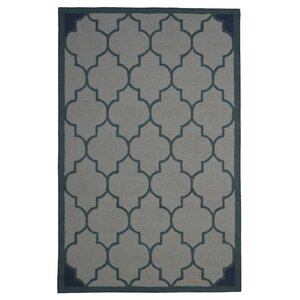 Wool Hand-Tufted Ivory/Green Area Rug