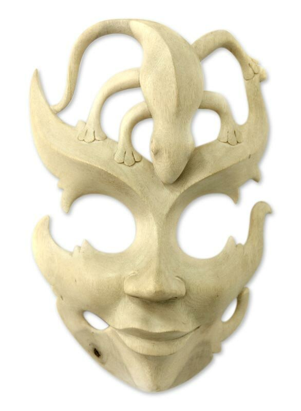 Novica Gift of The Gecko Beige Handmade Wood Lizard Mask Wall Décor ...