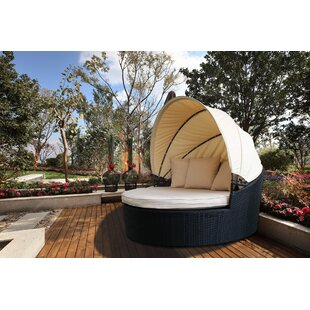Magari Canopy Daybed with Cushions