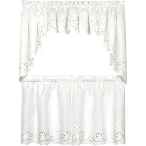 Avignon Tier Curtain