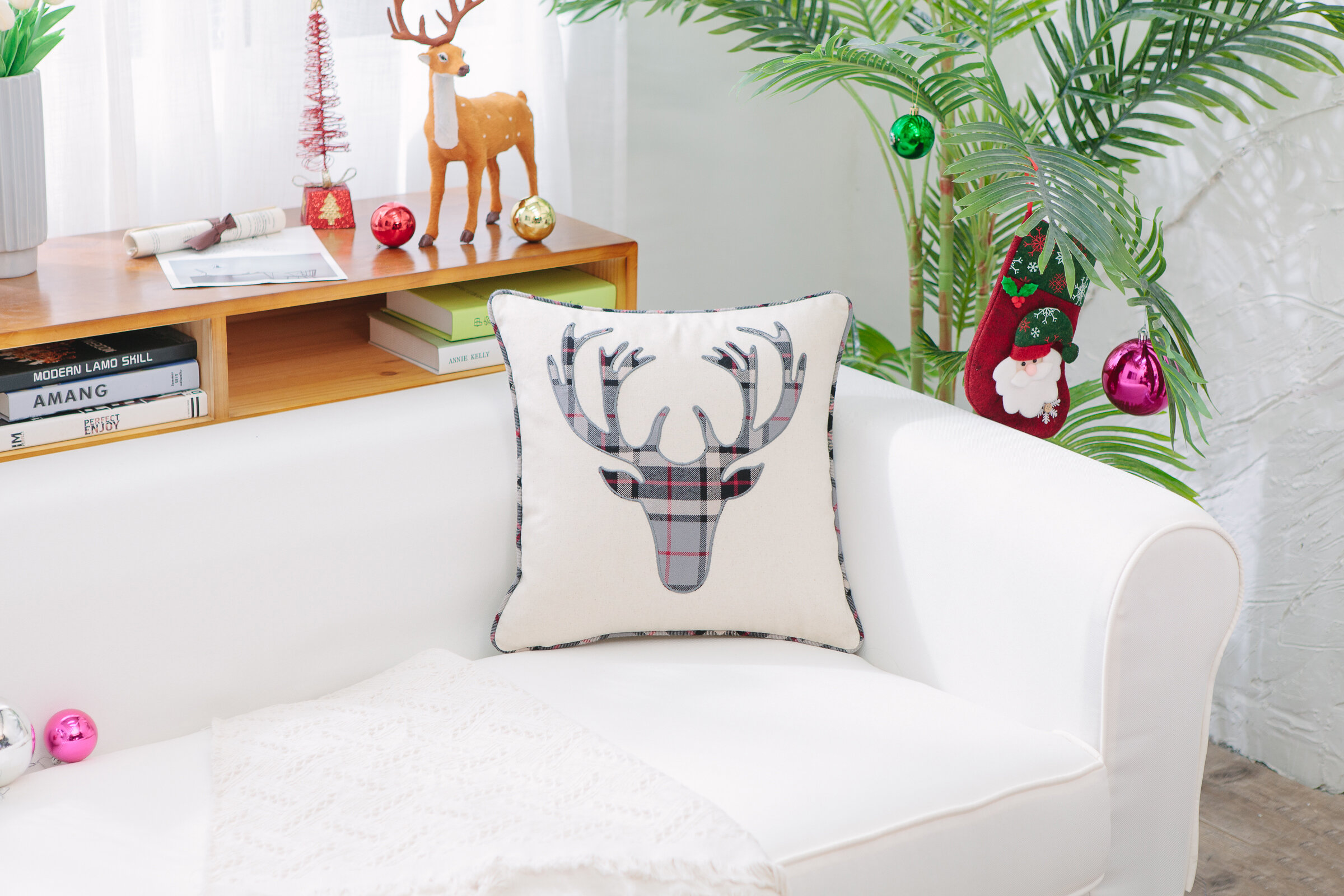 The Holiday Aisle Reindeer Head Plaid Patch Square Cotton Pillow Cover Insert Reviews Wayfair