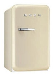 1.5 cu. ft. Compact Refrigerator SMEG Color: Cream, Hinge: Right