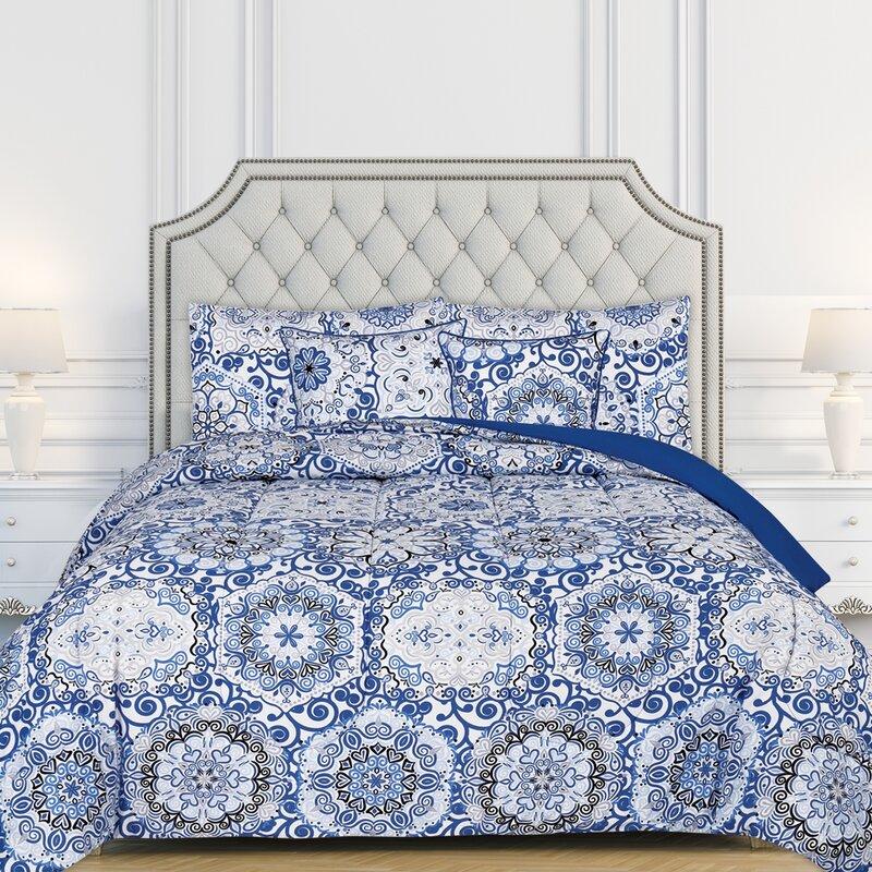 Bungalow Rose Turkay All Season 5 Piece Reversible Comforter Set