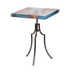 naniouni bistro table