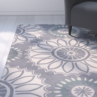 Evangeline Hand-Tufted Gray Floral Indoor/Outdoor Area Rug
