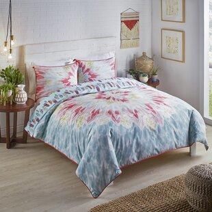 Bungalow Rose Bettencourt 3 Pieces Reversible Quilt Set
