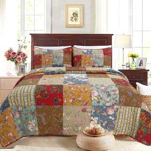 Sheetz Floral Patchwork Reversible Cotton Quilt Set