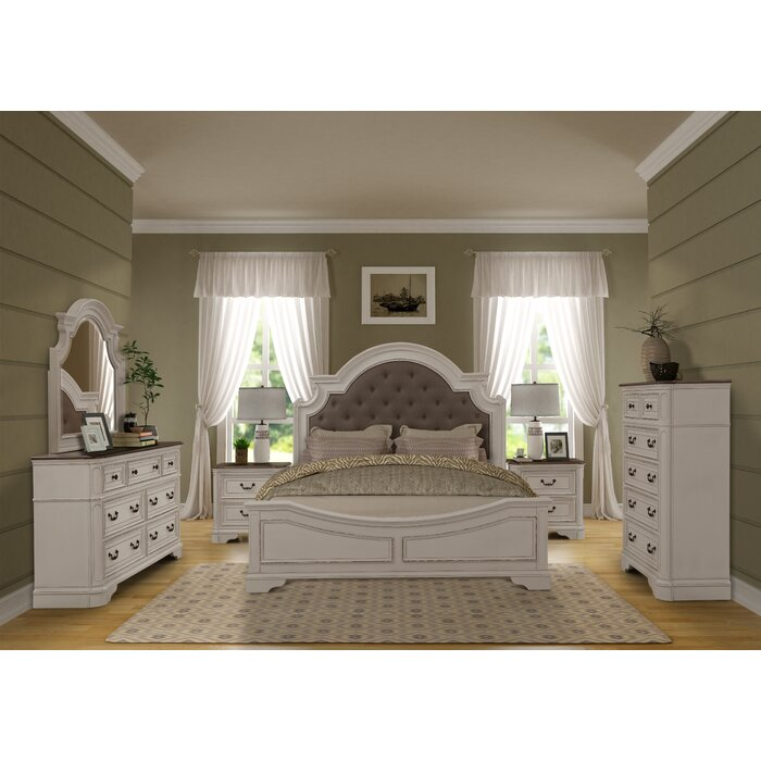 Lilia Oak Wood Standard 4 Piece Bedroom Set