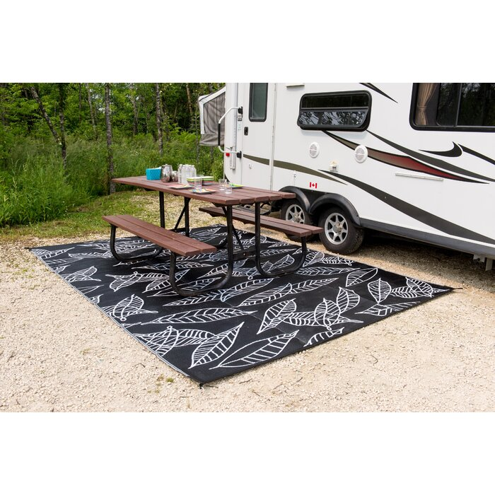 Superior Arctic Reversible RV/Camping/Patio Mat Black/White Outdoor Area Rug
