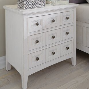 Rosecliff Heights Cremeans 3 Drawer Nightstand