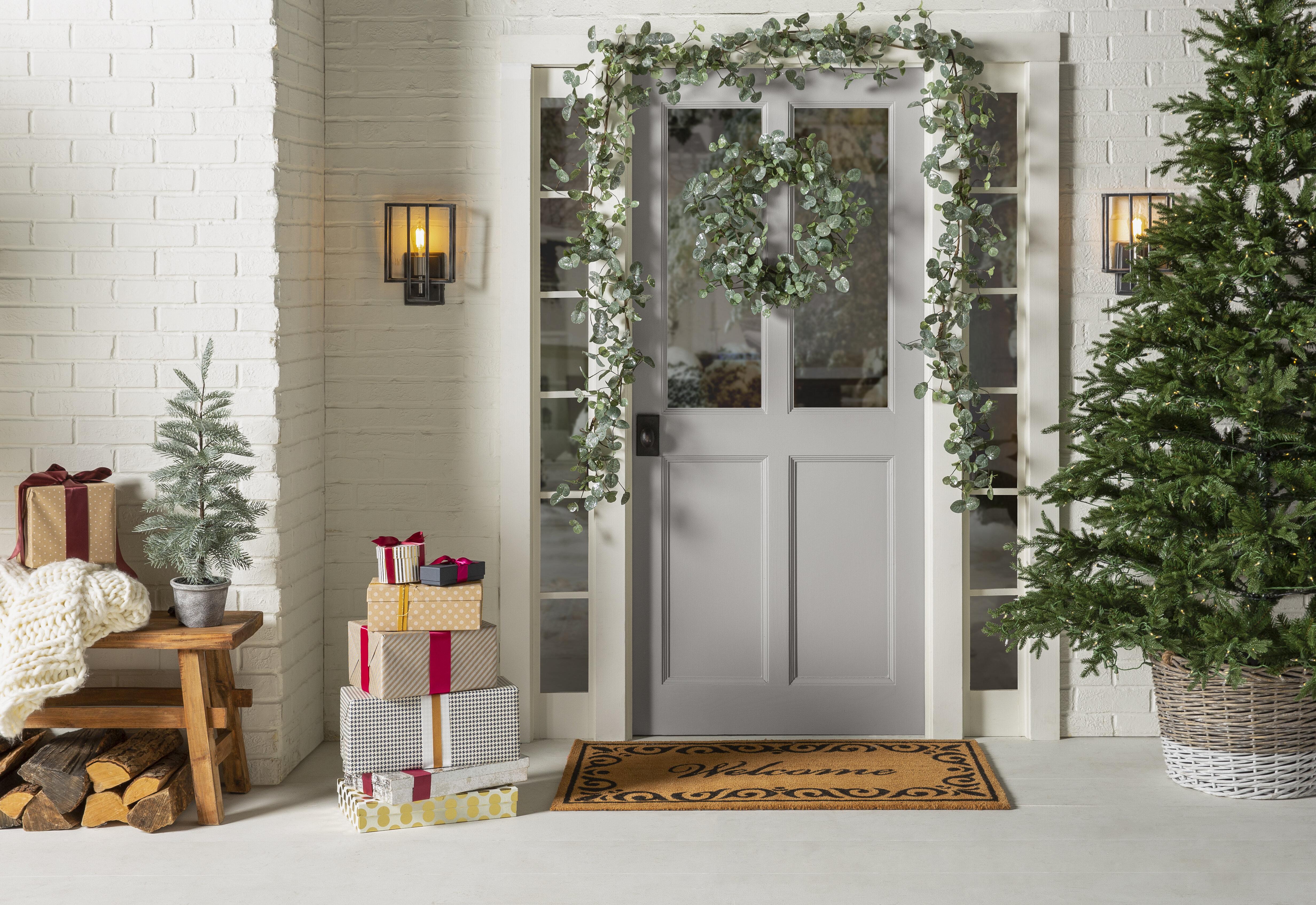 7 Front Porch Christmas Decoration Ideas Wayfair