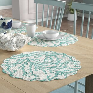 Ostrander Reversible Round Quilt 17 Placemat Set Of 6
