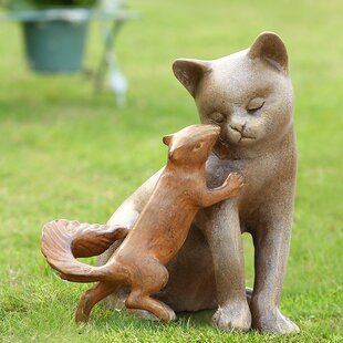 SPI Home Stealing a Kiss Garden Statue
