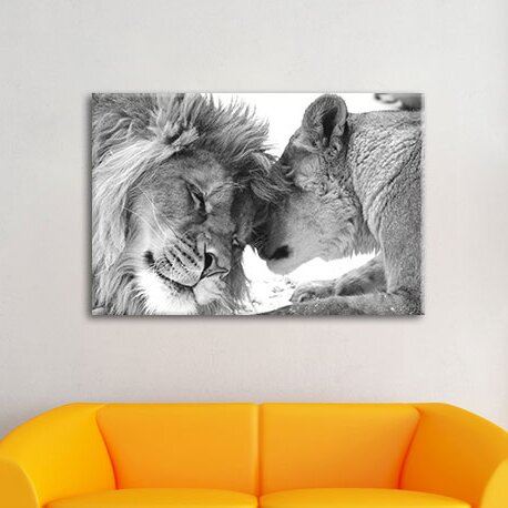 Charming Cuddling Lion Couple Wall Art On Canvas