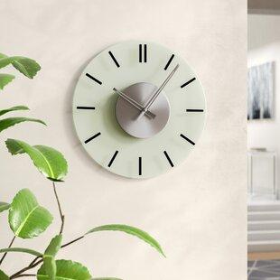 Horloge analogique avec verre surround