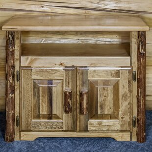 Glacier Country Kitchen Island by Montana Woodworks?