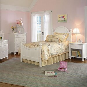 Davie Customizable Bedroom Set