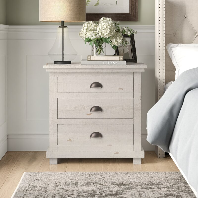 Lockridge 3 - Drawer Solid Wood Bachelor's Chest