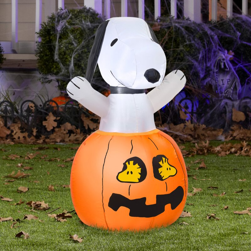 airblown snoopy in pumpkin with woodstock inflatable