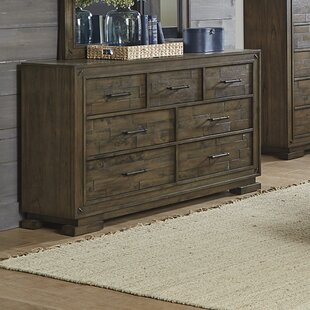 Shorehamby 7 Drawer Dresser
