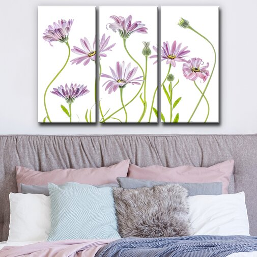 'Cape Daisies I' Graphic Art Print Multi-Piece Image on Canvas