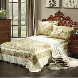 Forest Cottage Quilt Reversible Quilt Set