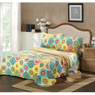 Geo Spring Flower Reversible Quilt Set