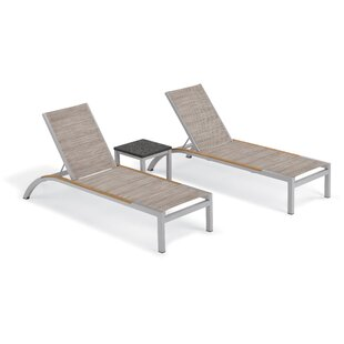 Saint-Pierre Chaise Lounge with Travira End Table