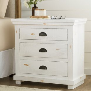 Best Reviews Castagnier 3 Drawer Nightstand by Lark Manor