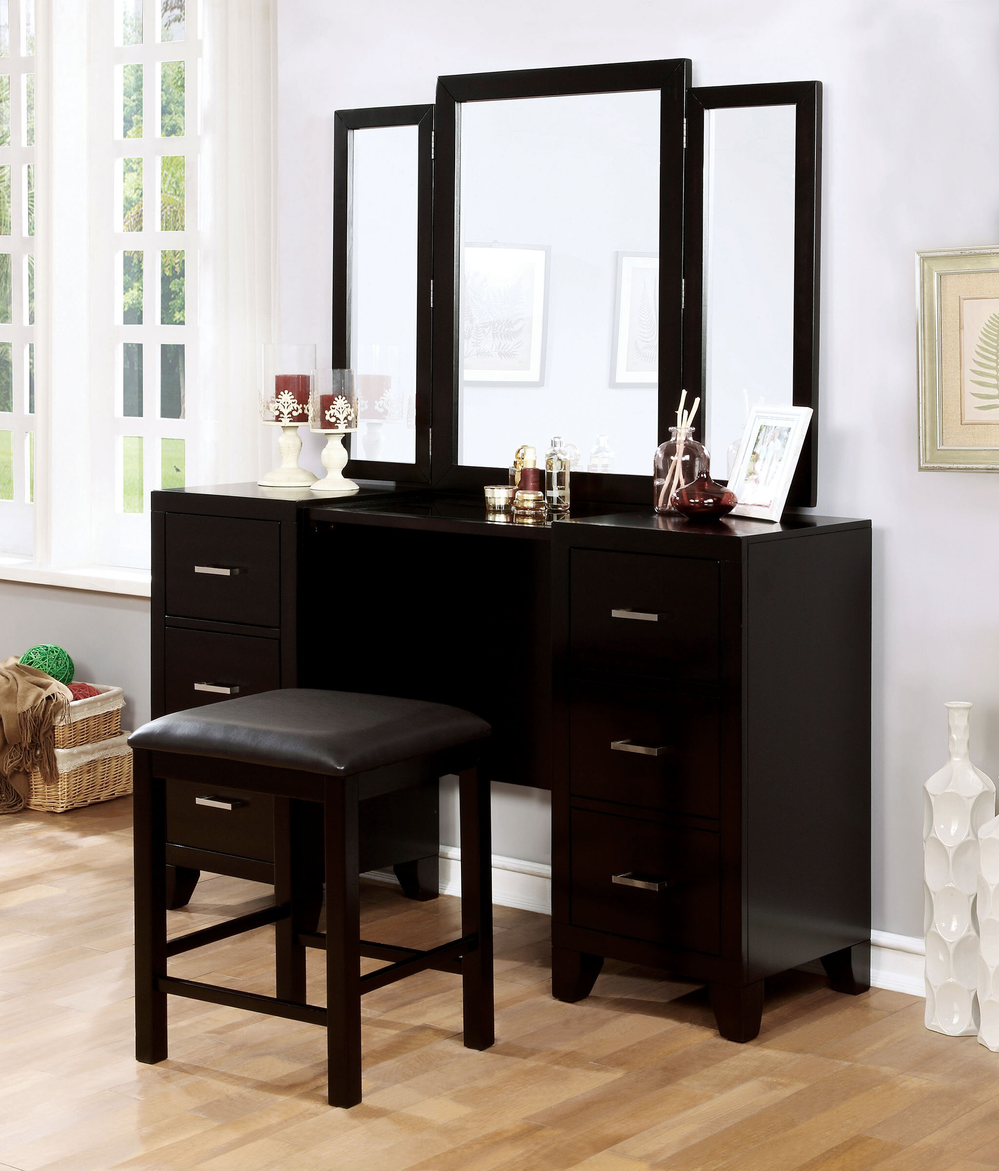 Peachy Harrelson Vanity Set With Stool And Mirror Gmtry Best Dining Table And Chair Ideas Images Gmtryco