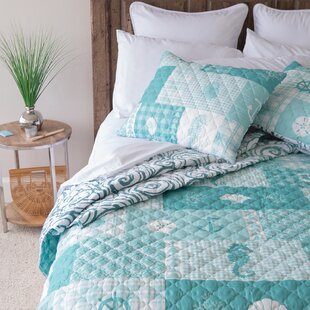 Woodbury Seahorse Grid Reversible Quilt Set
