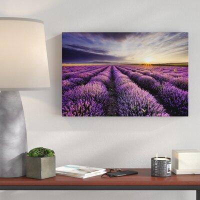 Leinwandbild   Traumhafte Lavendel Provence  Grafikdruck   Dekoration > Bilder und Rahmen > Bilder   Bedruckt   East Urban Home
