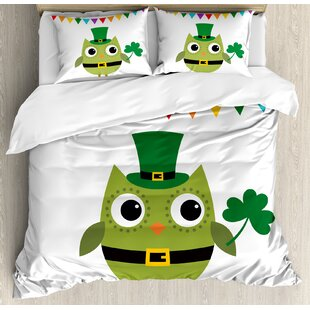 East Urban Home St. Patrick's Day Owl with Leprechaun Costume Greeting Design for Party Shamrock Duvet Set