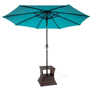 Lininger Square PE Rattan Umbrella Stand by Rosecliff Heights Wonderful