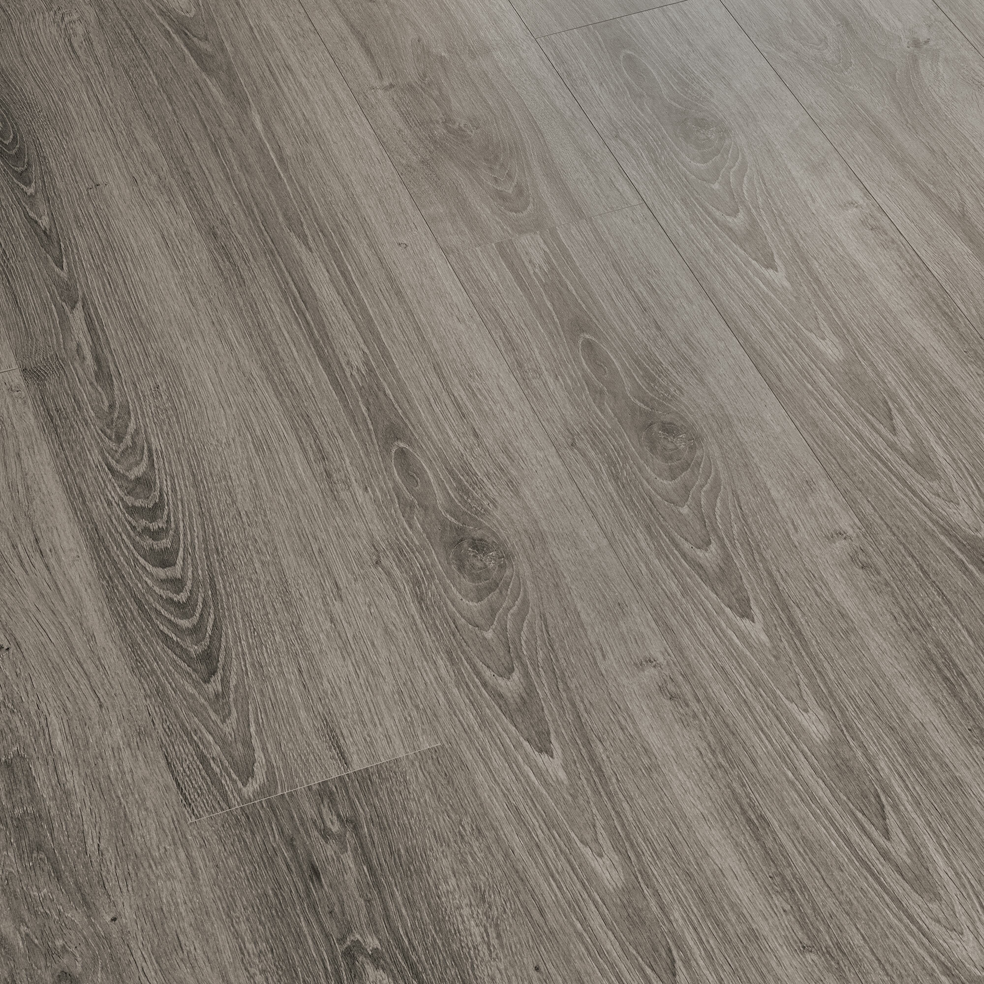 X 8mm Pine Laminate Flooring