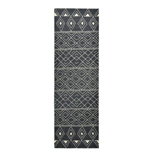 Nomad Hand-Hooked Charcoal Indoor/Outdoor Area Rug