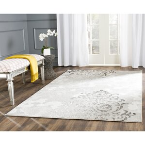 Beth Silver/Ivory Area Rug